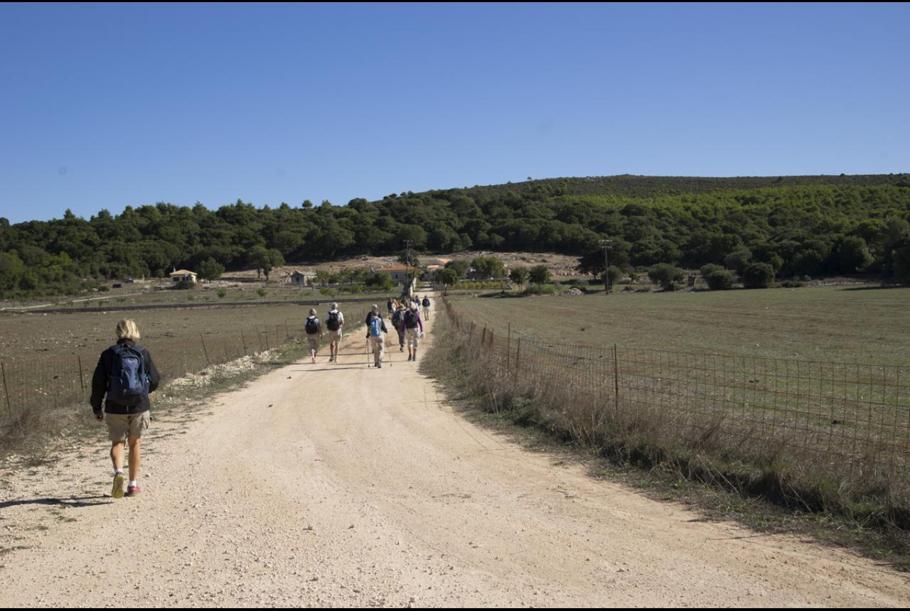 Hiking in the valley of Loucha