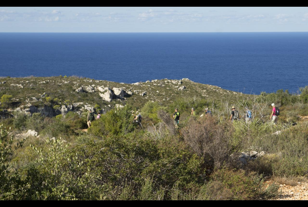 Hiking tour from Porto Limnionas to the village of Kabi.